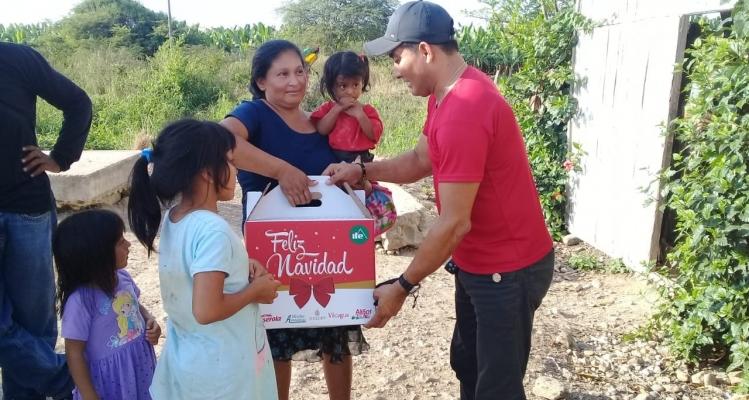 ENTREGA DE CANASTAS NAVIDENAS A TODOS NUESTROS BENEFICIARIOS DEL PROYECTO ADULTO MAYOR